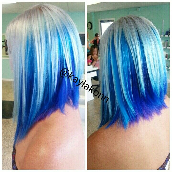 Platinum Blonde With Bright Blue Peekaboo Underneath Gekleurd Haar Haar Haar Kleuren