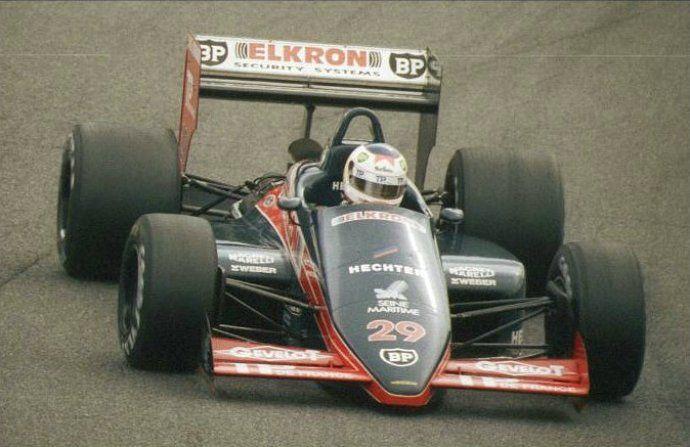 Yannick Dalmas  Larrousse LC87 Suzuka 1987