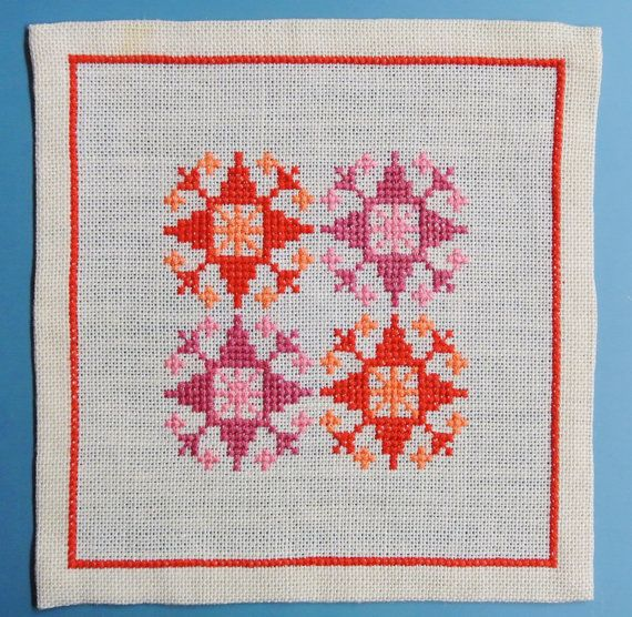 X-small exellently done vintage 1950s handmade cross-stitch ...