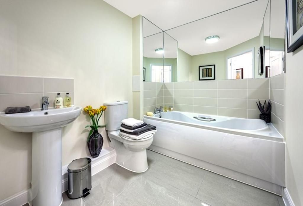 show home bathrooms - Google Search | House | Pinterest | Google ...
