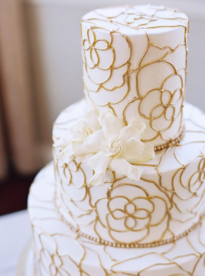 Elegant white and gold wedding cake | itakeyou.co.uk