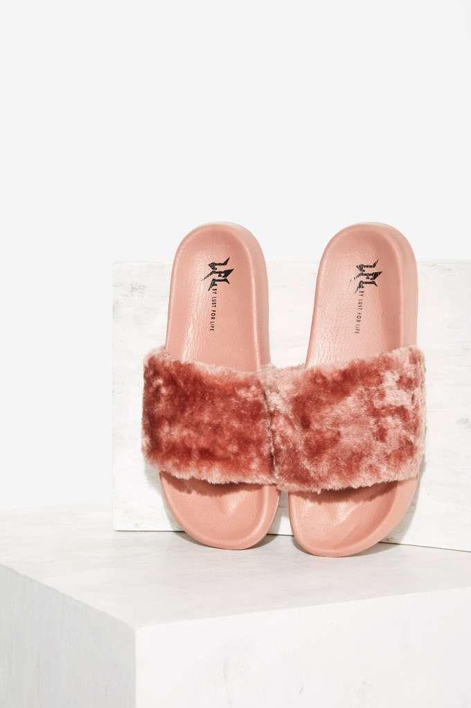 Lust For Life Faux Fur Slide Sandals JDUQO7MB