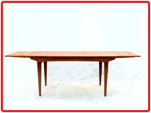 Table De Repas Design Scandinave En Teck Vendue Meubles Et Decoration Vintage Design Scandinave Avec Images Mobilier De Salon Meuble Vintage Table Salle A Manger