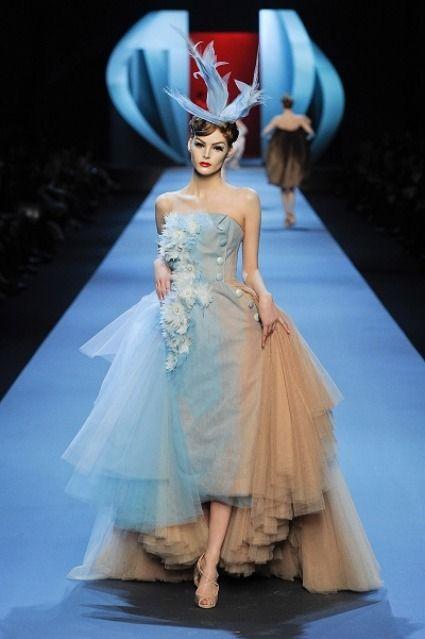 Vestido de novia azul de Christian Dior | Vestidos de novias de ...