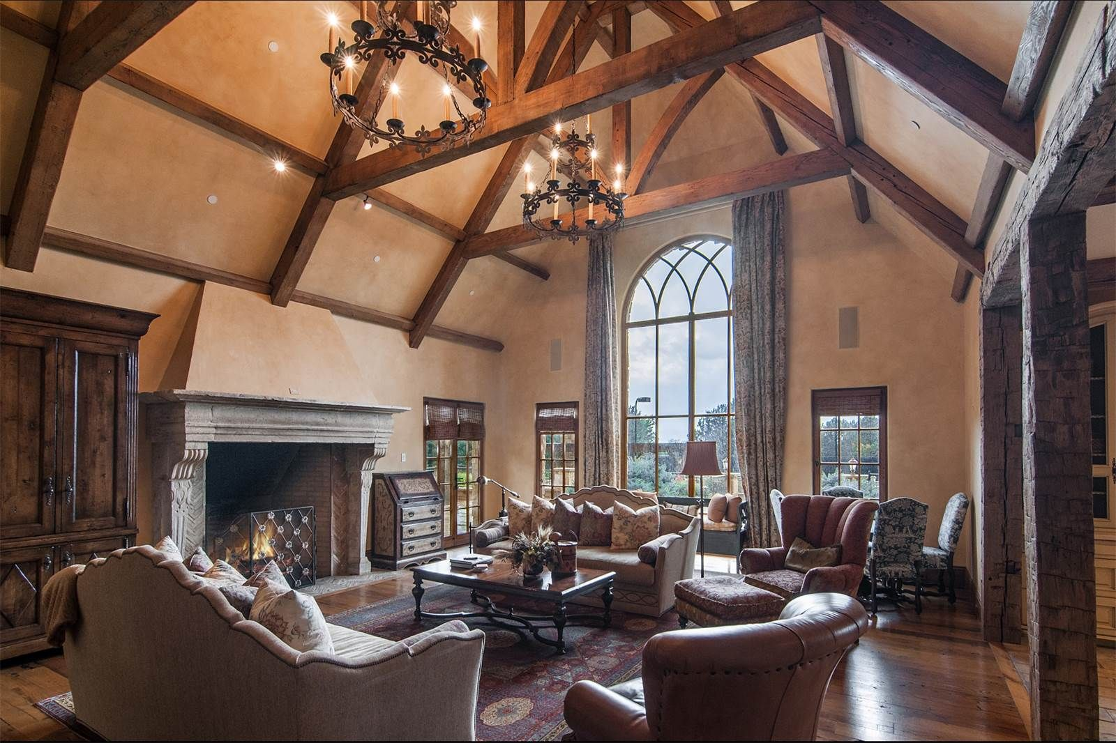 Vaulted Ceiling And Wood Beams In Denver 1600 X 1066 By Bullets Tml In Roomporn I Cathedral Ceiling Living Room Living Room Ceiling Vaulted Ceiling Decor #vaulted #ceiling #wood #beams #living #room