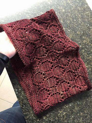 Free Pattern: Estonian Medallion Lace Cowl   Lace knitting ...