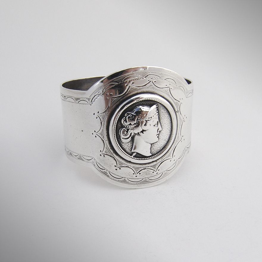 Medallion Napkin Ring Coin Silver Gorham 1870