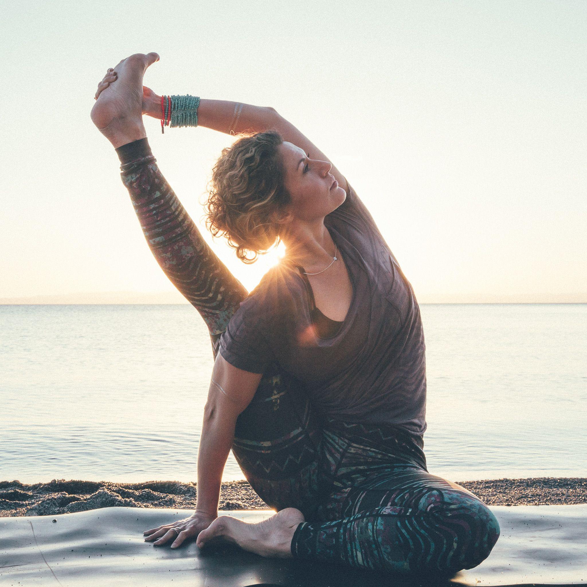 Pin By Stephanie Cullen On Stretch Beautiful Yoga Yoga Body Yoga Poses