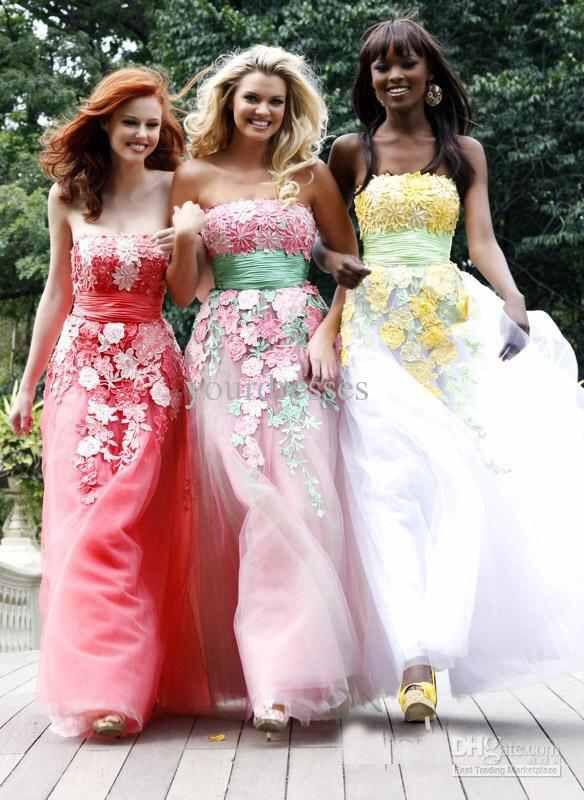 Image from http://image.dhgate.com/albu_121570345_00-1.0x0/new-fashion-strapless-handmade-flower-applique.jpg.