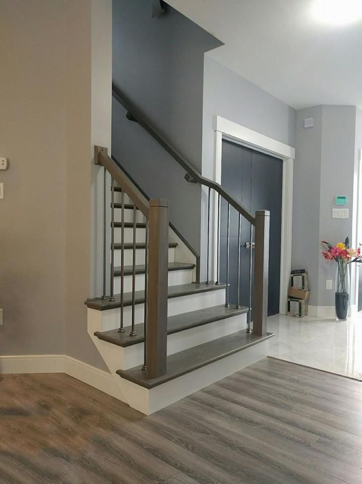Best Modern Profile Hand Rail And Newel Posts In 2020 Modern 400 x 300