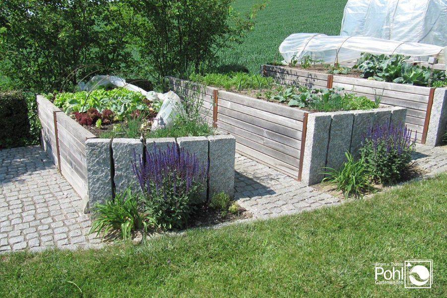 Hochbeet Kombiniert Mit Stein Und Holz Garten Hochbeet Hochbeet Garten
