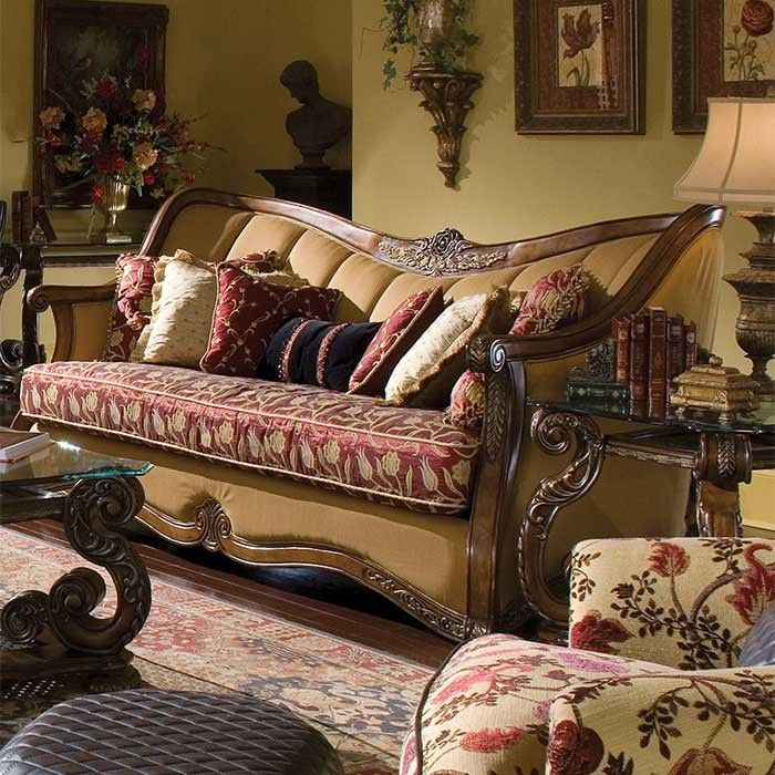 Lovely Regency Suite Sofa | Magnolia Hall