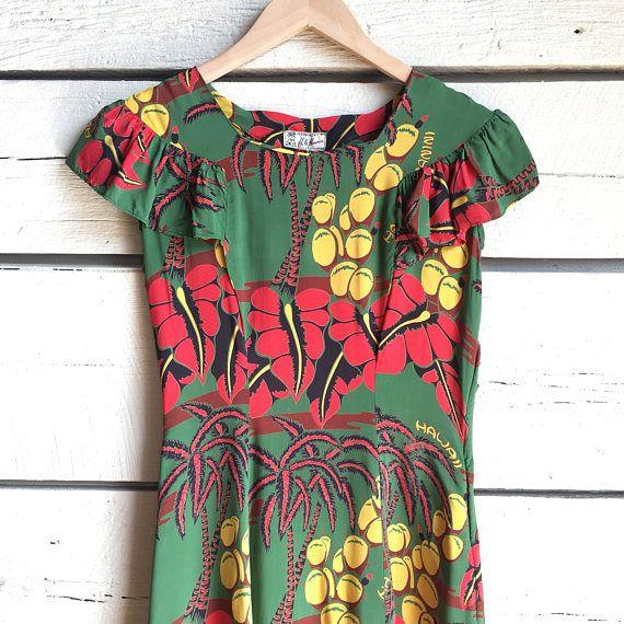 766ac4f1e0227d Vintage 1940s Hawaiian dress • novelty print dress • 40s rayon dress ...