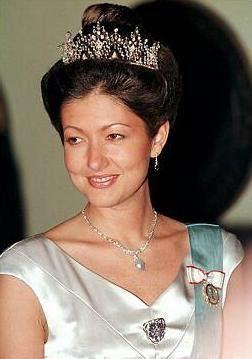 La Princesa Alejandra usará la tiara de su boda, y al ser la única tiara que tiene a su disposición, la lucirá en todas las galas a las que asiste