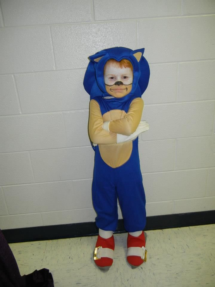 Sonic the Hedgehog & Sonic the Hedgehog | Costumes | Pinterest | Hedgehogs and Holidays ...