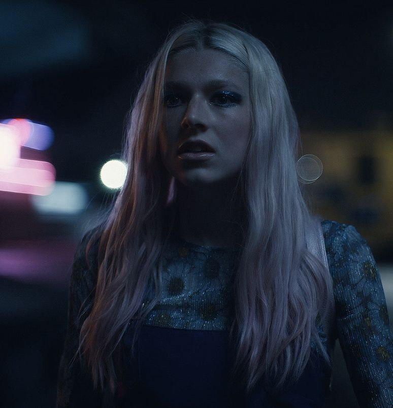 Hunter Schafer plays Jules in the pilot episode of HBOs