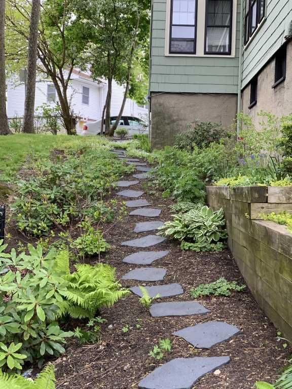 Recycled Rubber Flagstone Stepping Stone | Gardeners.com