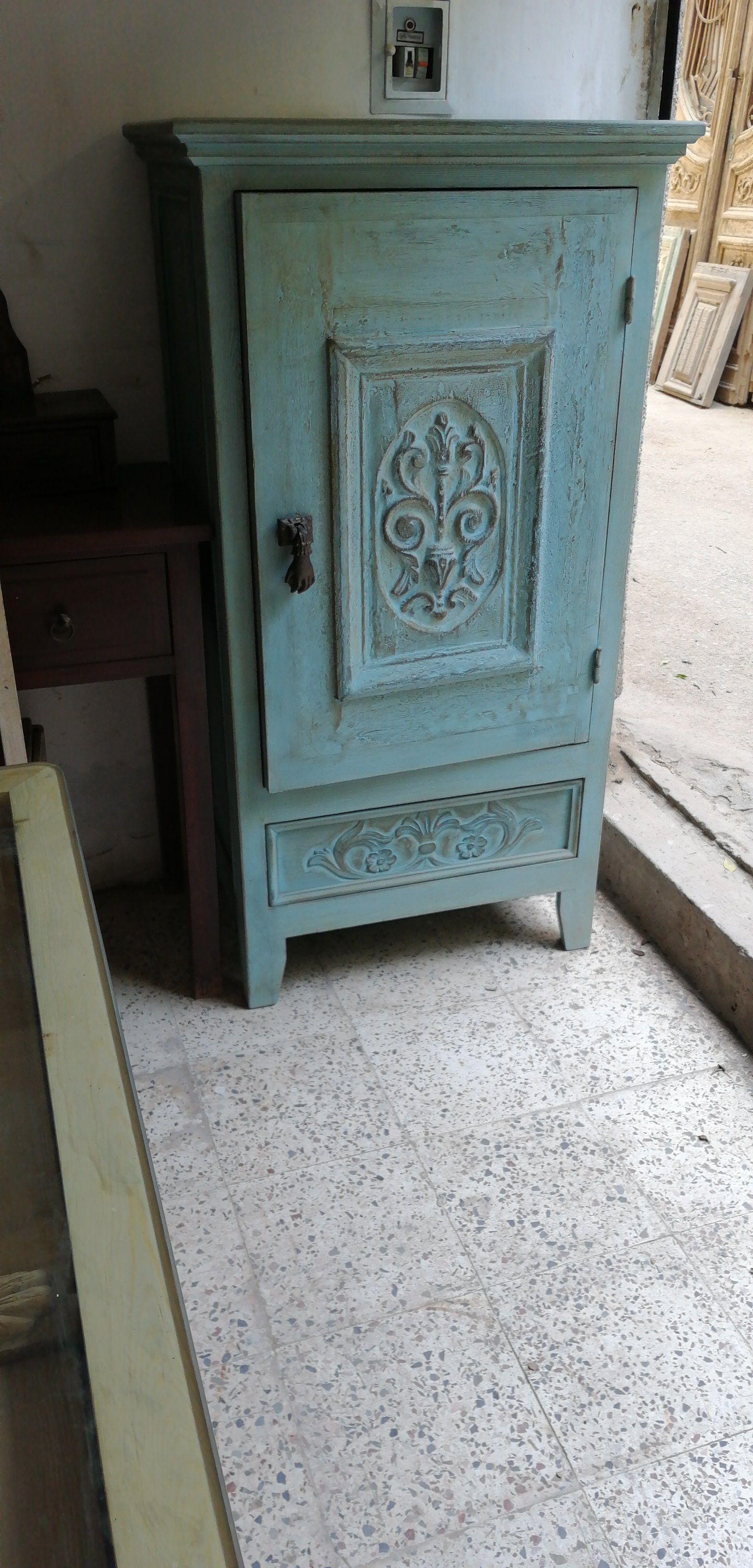 دولاب صغير باستخدام باب قديم Small Cabinet Using Old Door My Room Furniture Home Decor