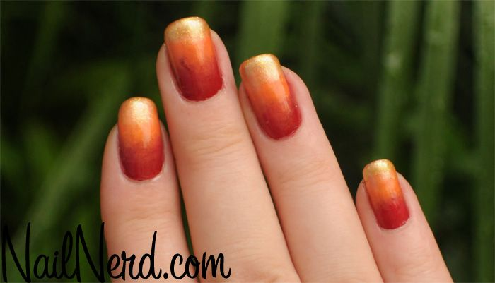 I like this gradient nail design for Autumn.
