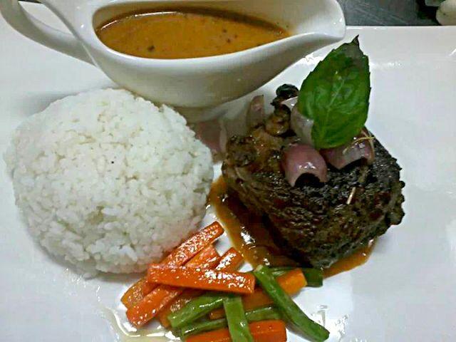 レシピとお料理がひらめくSnapDish - 15件のもぐもぐ - roasted lamb with 8 spices gravy by Dan Alfred Garcia Madriaga