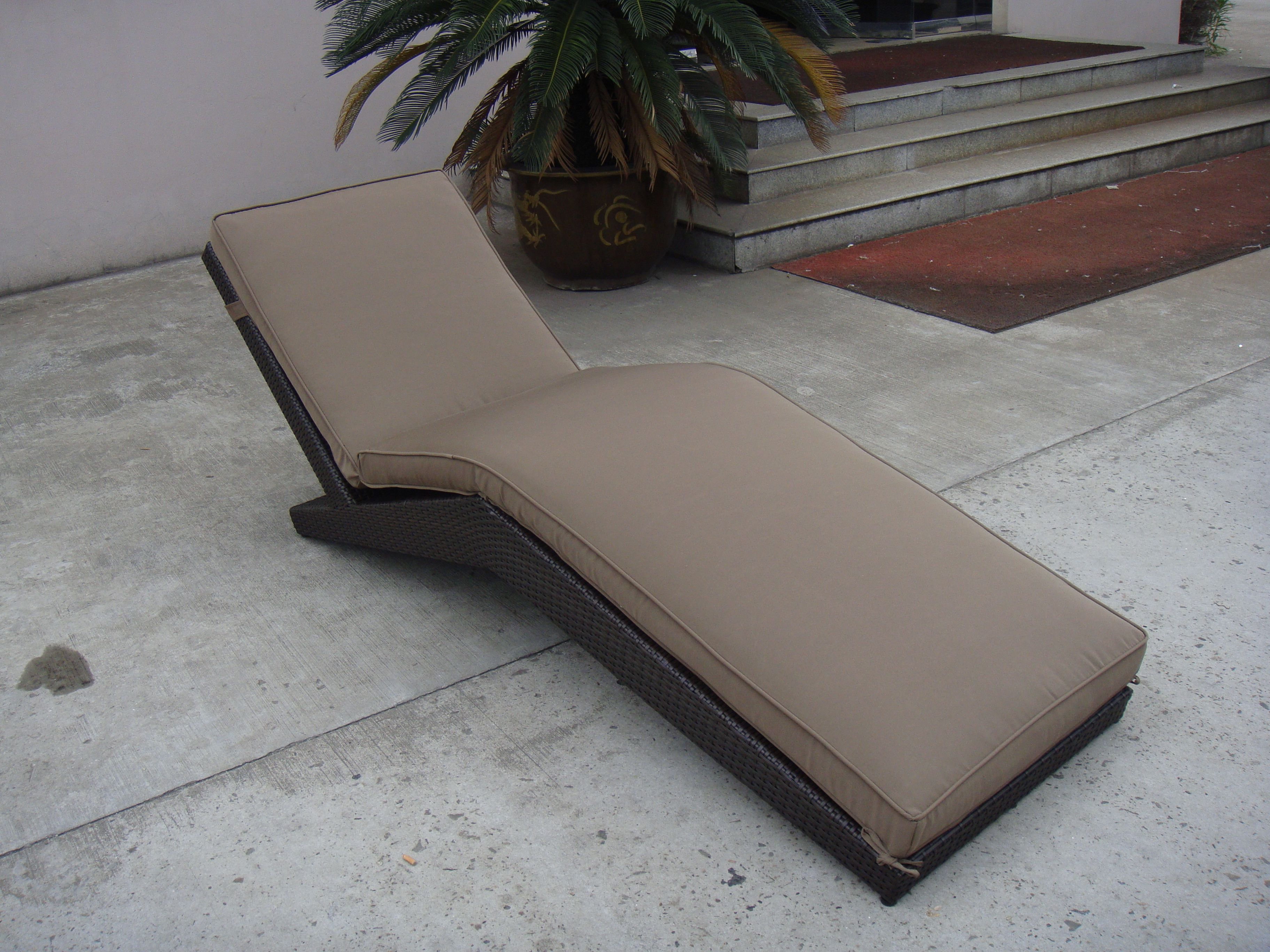 TG 7080 RATTAN SUN LOUNGER pool patio furniture