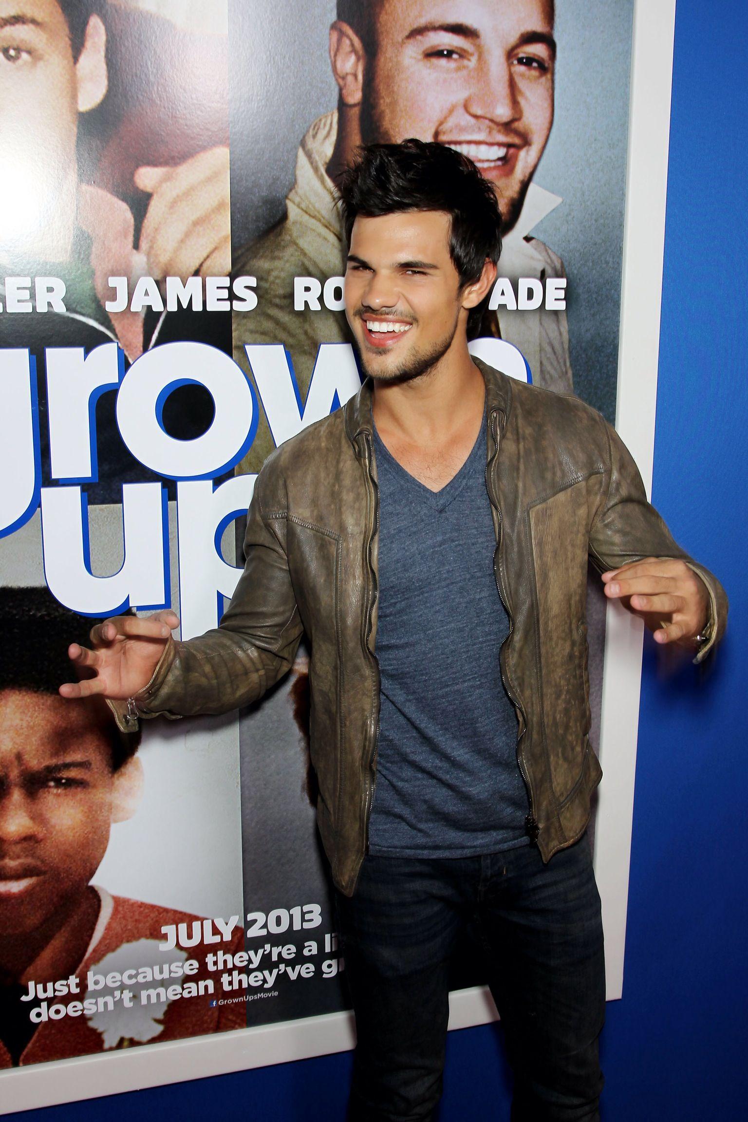 Taylor lautner grown ups 2 premiere