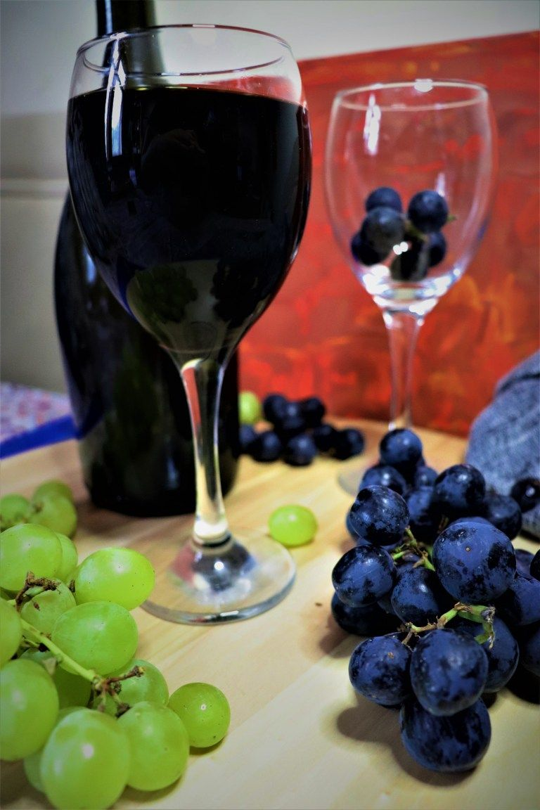 Homemade Grape Wine Delicious Cravings At Vania S Kitchen Recipe In 2020 Wine Making Recipes Sweet Wine Delicious