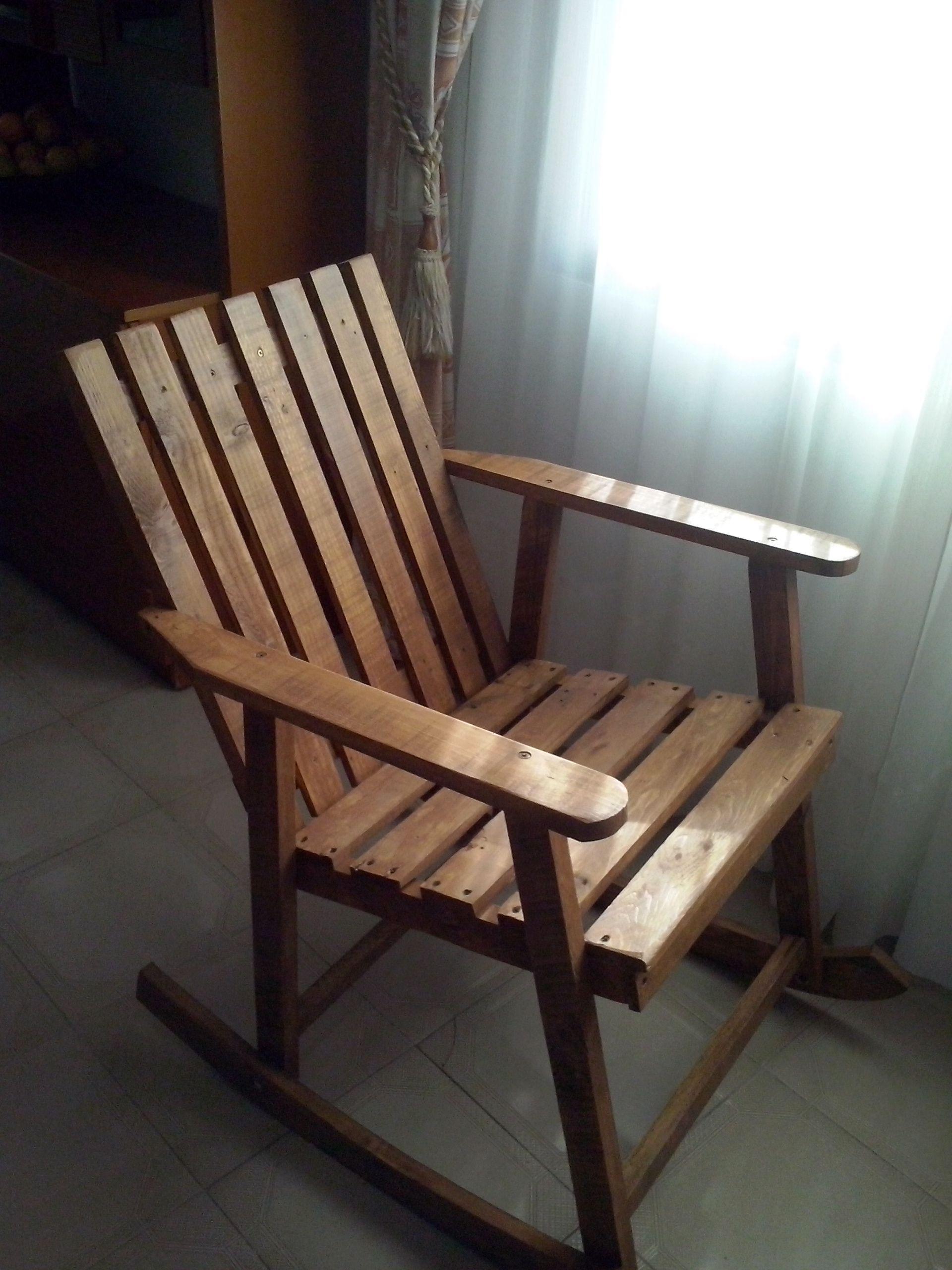 Mecedora Balancin SINGLE realizado con maderas de palets