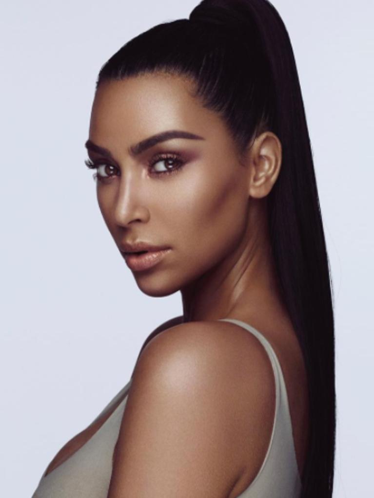 Just a Reminder That Kim Kardashian Used to Match Her Eye