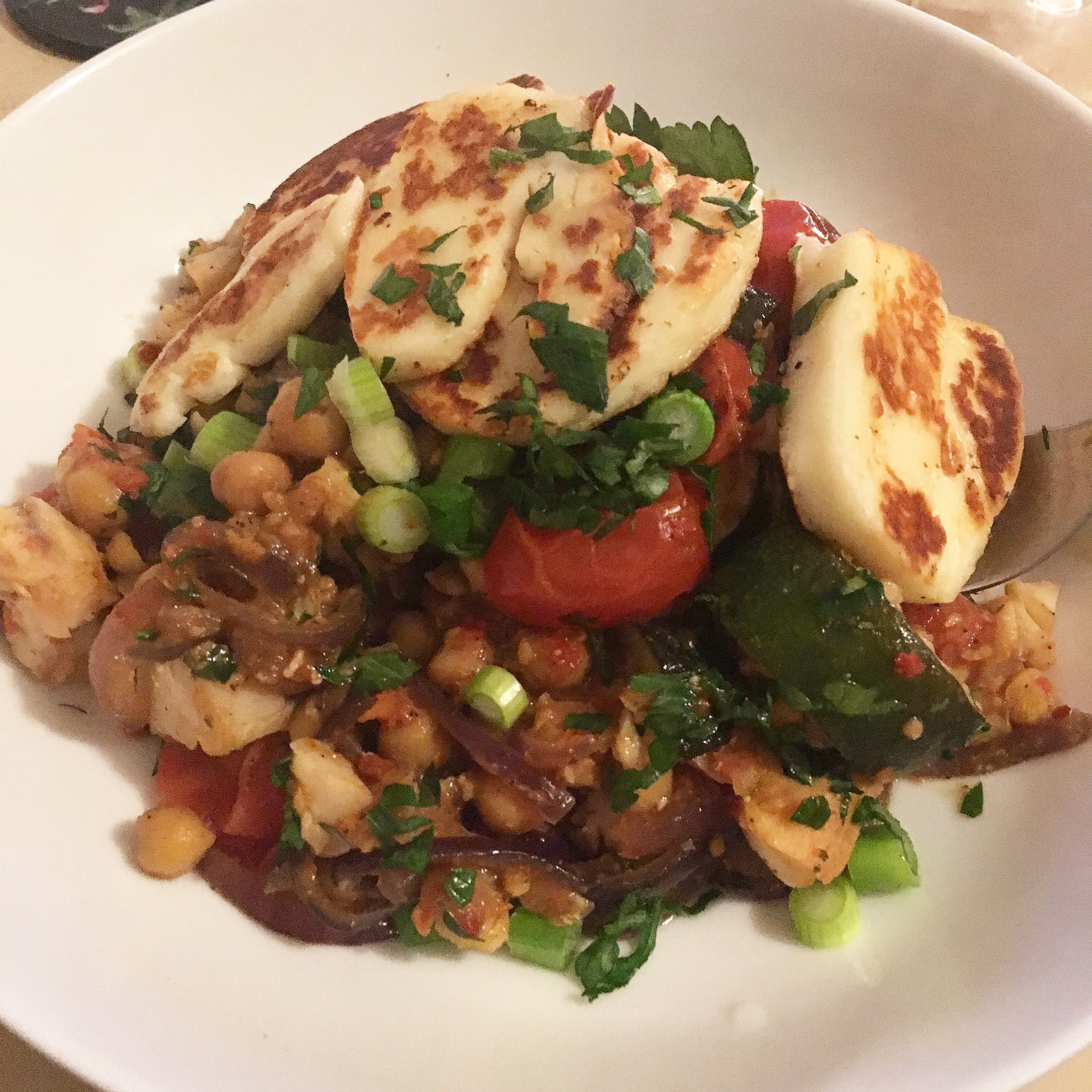Halloumi with tomato and chickpea stew