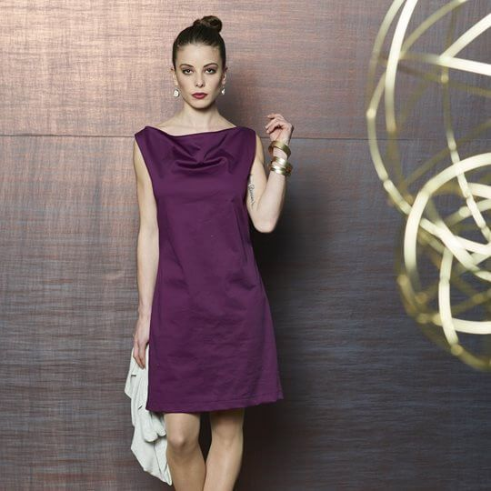 Kleid mit Wasserfallausschnitt | Klamotten | Pinterest | Nähen ...