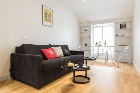 Regardez ce logement incroyable sur Airbnb : Studio de charme à Bastille à Paris