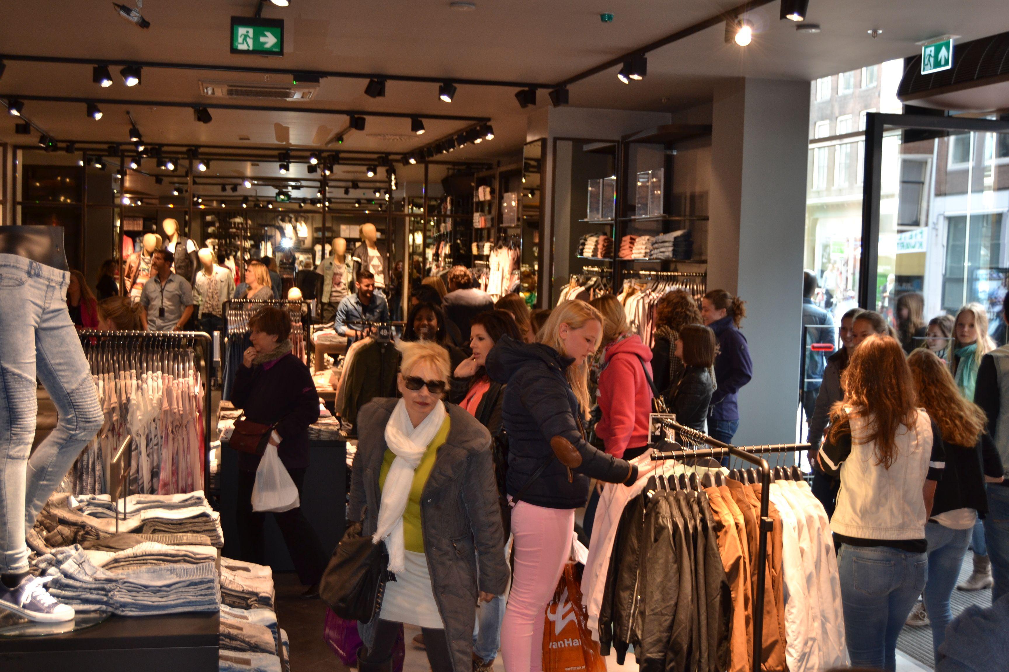 Openingsfeestje bij The Sting in Leiden Shops in Leiden