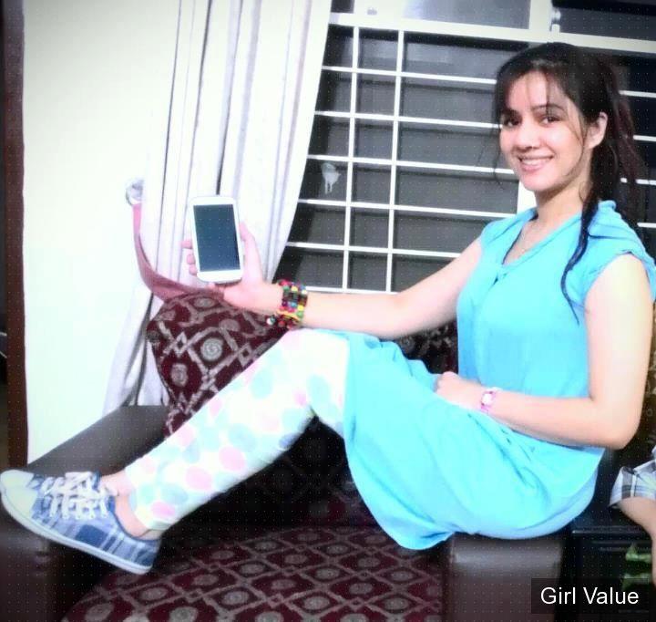 Rabi Peerzada in tight dress