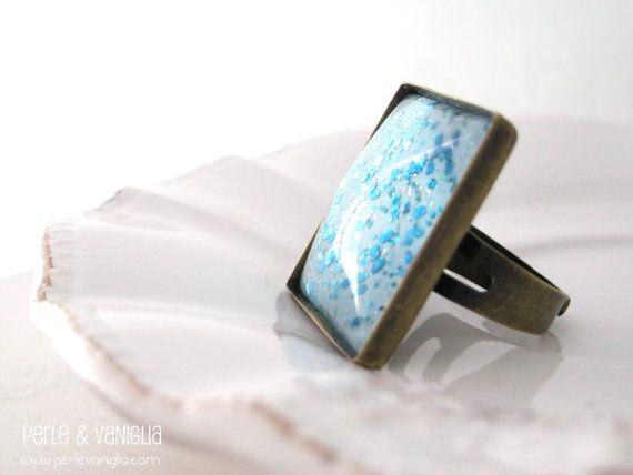 Frozen Ring  FREE SHIPPING  statement ring square di PerleVaniglia, €14.00 #ring #statement #handmade #fattoamano #perlevaniglia #jewel #jewelry #brass #bronze #glass #glitter #cabochon #nail #polish #nailpolish