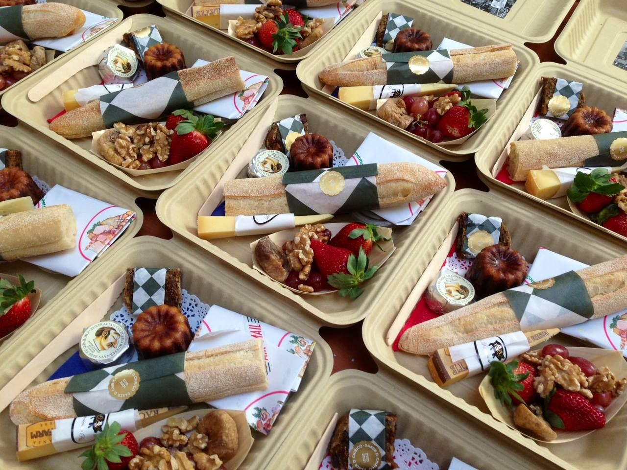 french lunch box Google 搜尋 Cafe food, Lunch catering