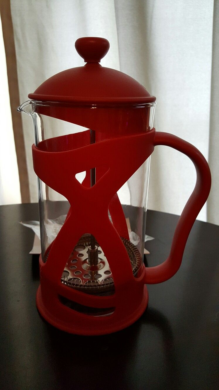 This French press coffee is red with transparent portions