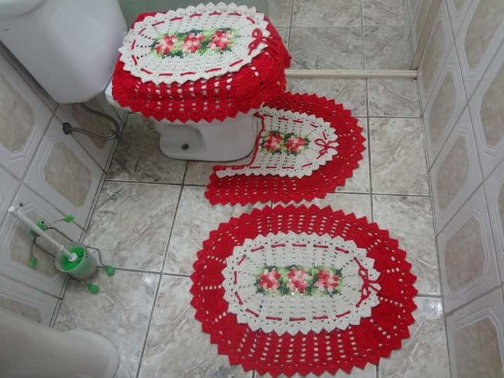 Jogo de banheiro de croché feito em barbante de excelente qualidade, feito com.muito carinho e amor pra um ambiente bem decorado . Faço na cor de sua preferência.