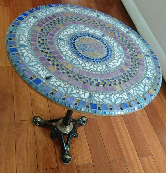 Table mosaïque la terre lapis-lazuli Table de bar pied fer forgé et ...