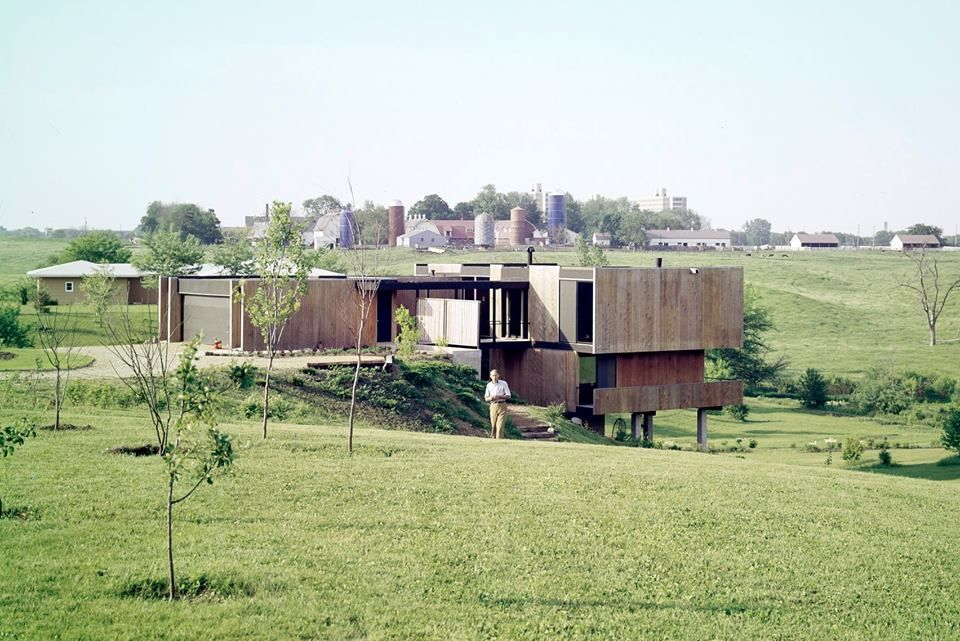 A Mid Century Modern farmhouse located in Ames, Iowa. Designed by ...