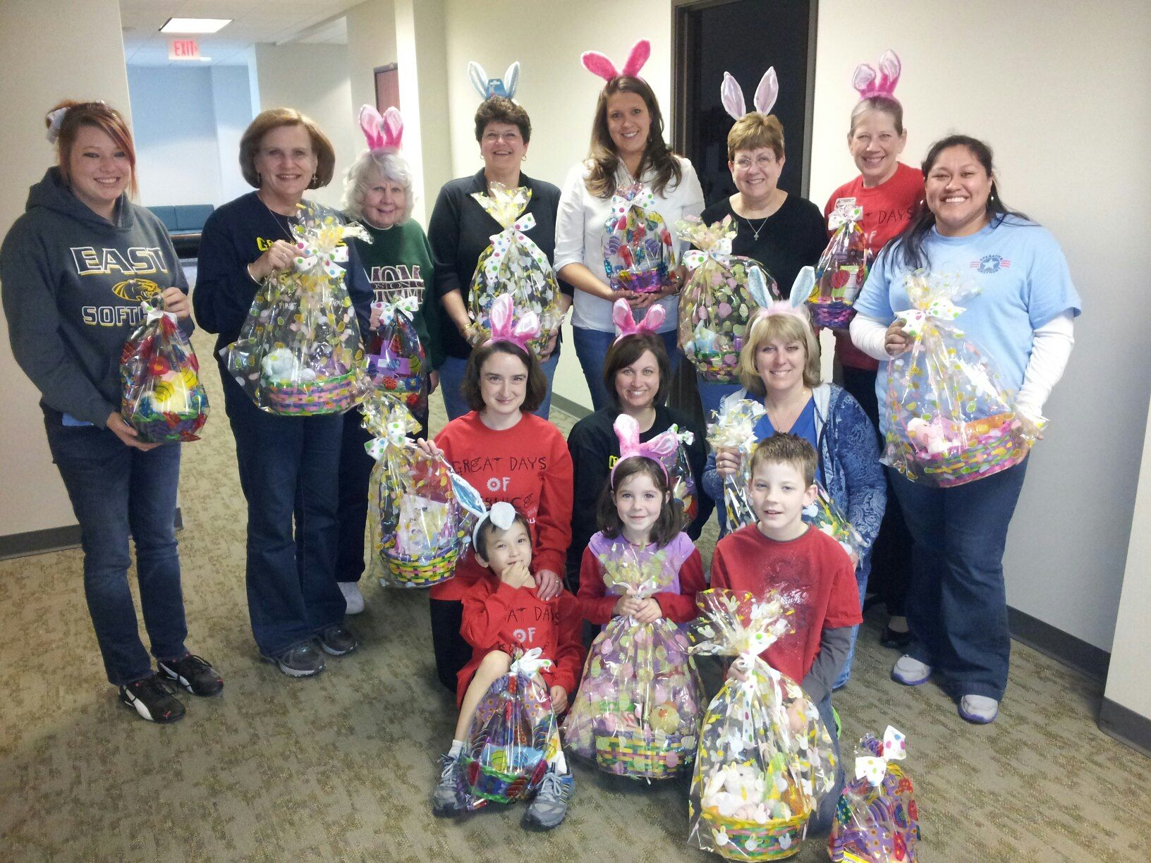 National Charity League District 1 Helping Out The Easter Bunny W