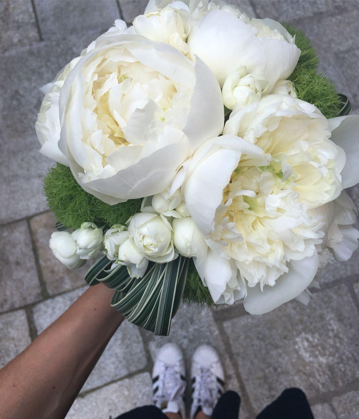 Fiori Bianchi Per Bouquet Da Sposa.Bouquet Da Sposa Weddingbouquet Peonia Fiori Bianchi Fiori Per