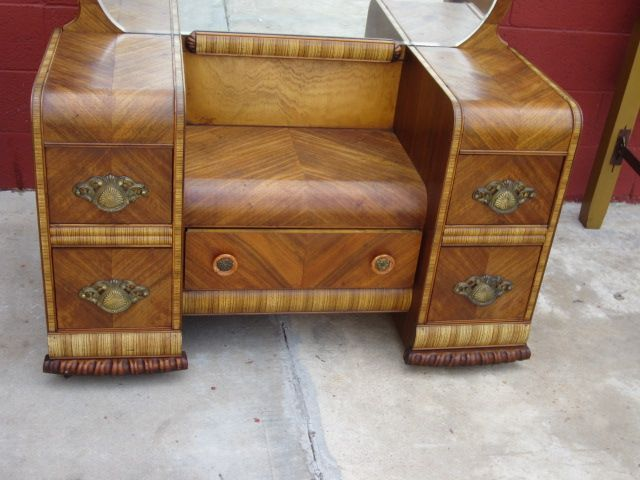 This is a great example of American art deco bedroom furniture that would  look amazing in. This is a great example of American art deco bedroom furniture
