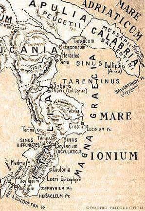 Metaponto Cartina Geografica.Nell Antichita Verso Il 540 A C La Parte Estrema Della Nostra Penisola Quella Compresa Tra Il Fiume Lao Lo Stretto Di Messi Geografia Mappe Antiche Italia