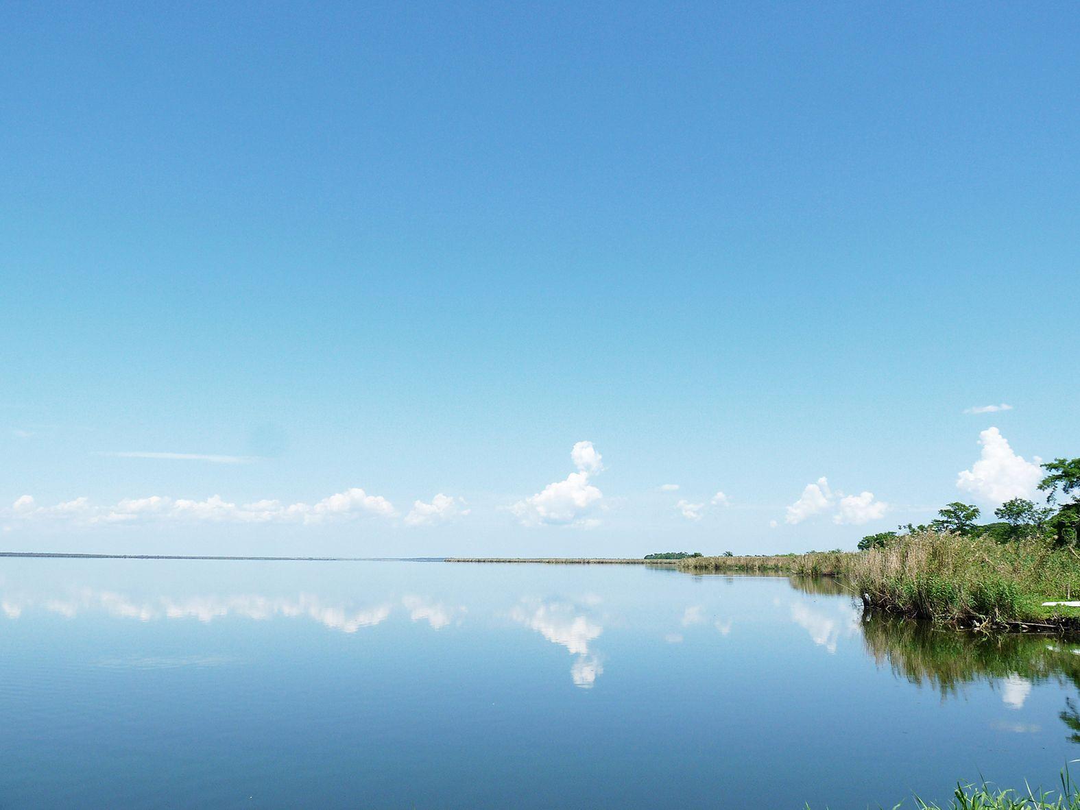 Enjoying the scenery of Lake Jesup at the Black Hammock