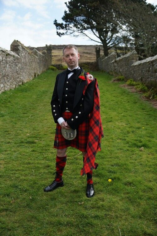 1133d6853a23 Me in my kilt outfit. The picture was taken by a very good friend Becky  Tyrrell. #Robertson Red #tartan split diamond hose by #BonnieTartan.