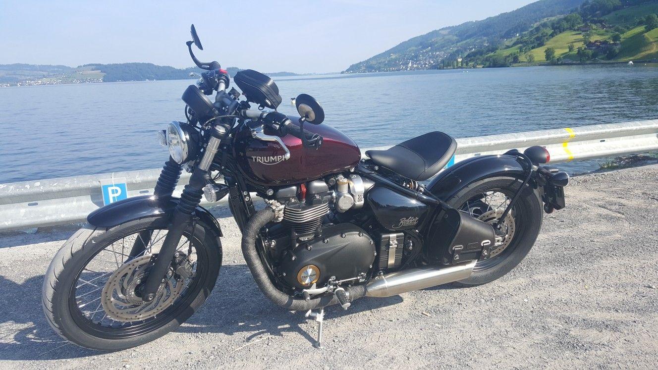Triumph Bonneville Bobber, lake zug