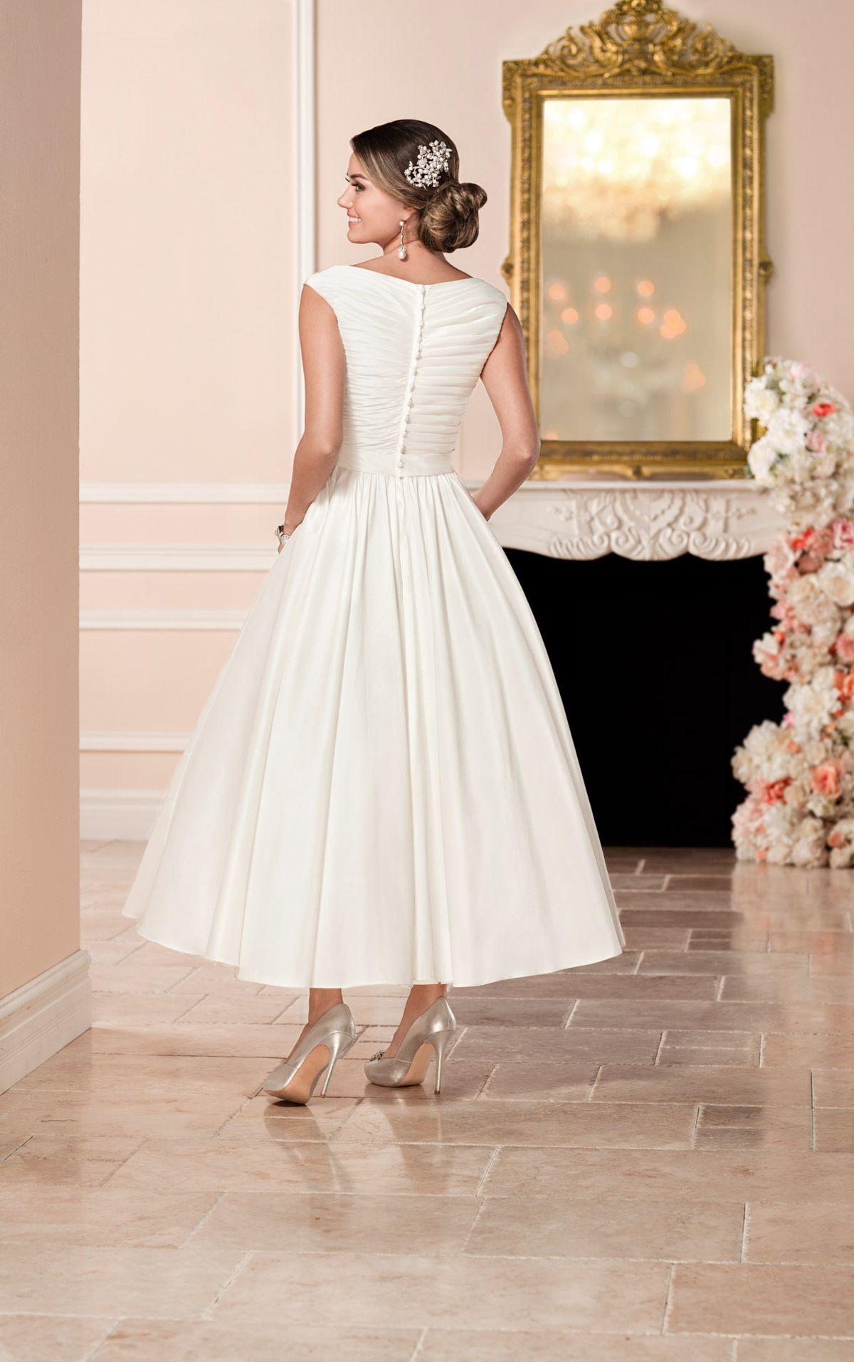 Short satin wedding dress Stella York in 2020 Tea