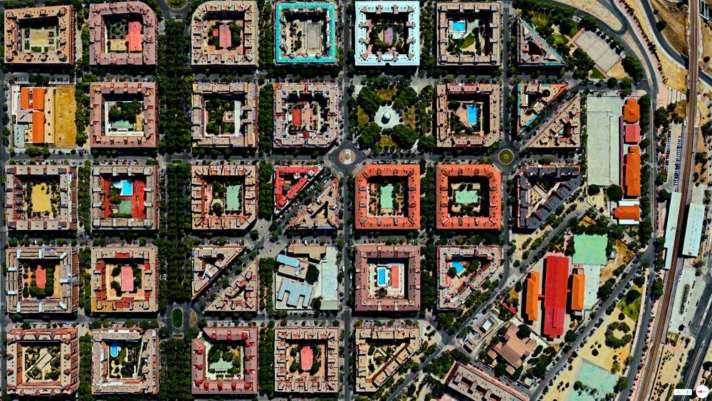 4/30/2014 Puente de Vallecas Madrid, Spain 40.398204°N 3.669059°W  Vibrant apartment buildings in thePuente de Vallecas district of Madr...