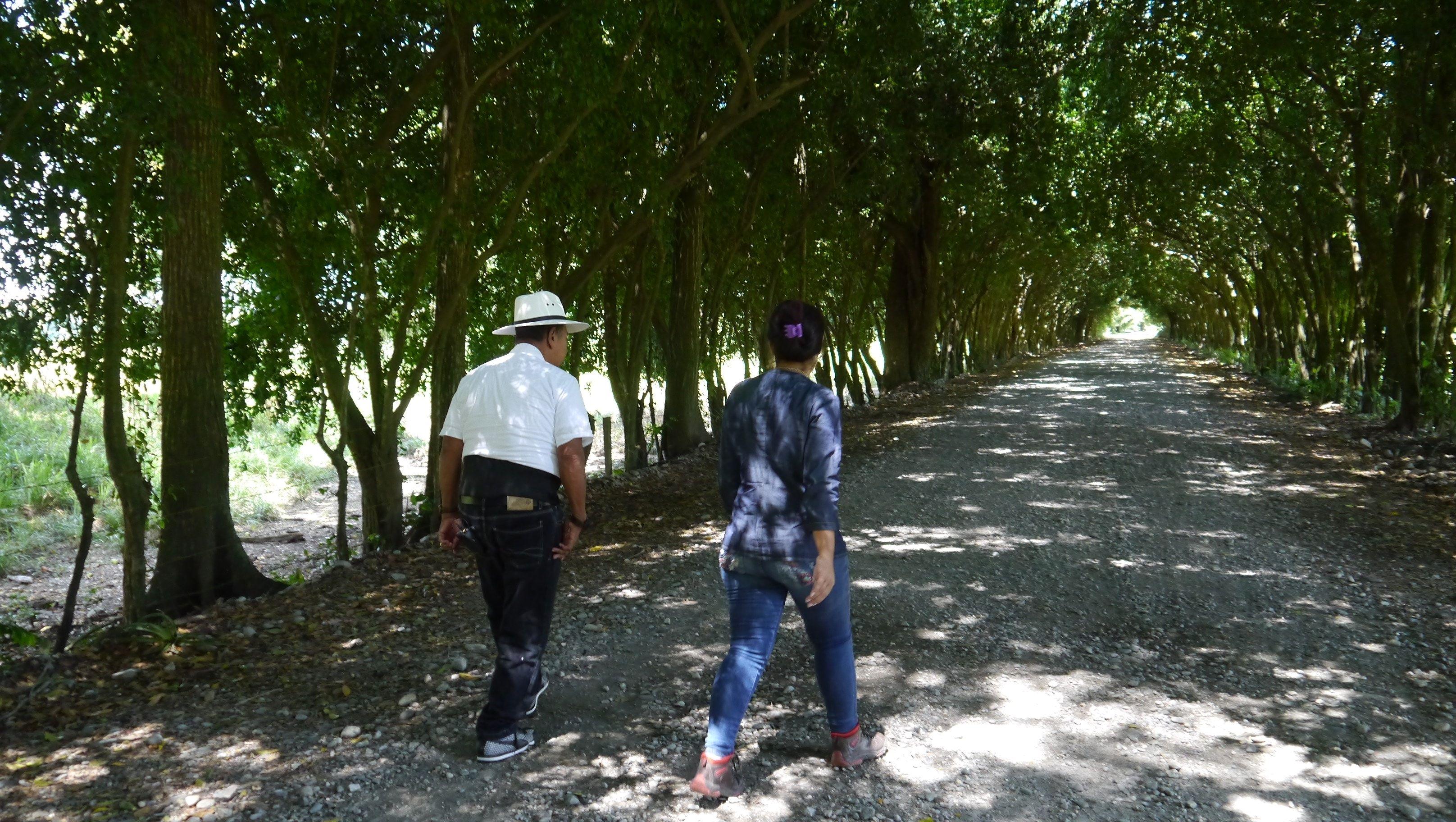 Jeny Castañeda y Ramón Isaza Aragón. Los dos, víctima y victimario, se encuentran en #Desarmados.